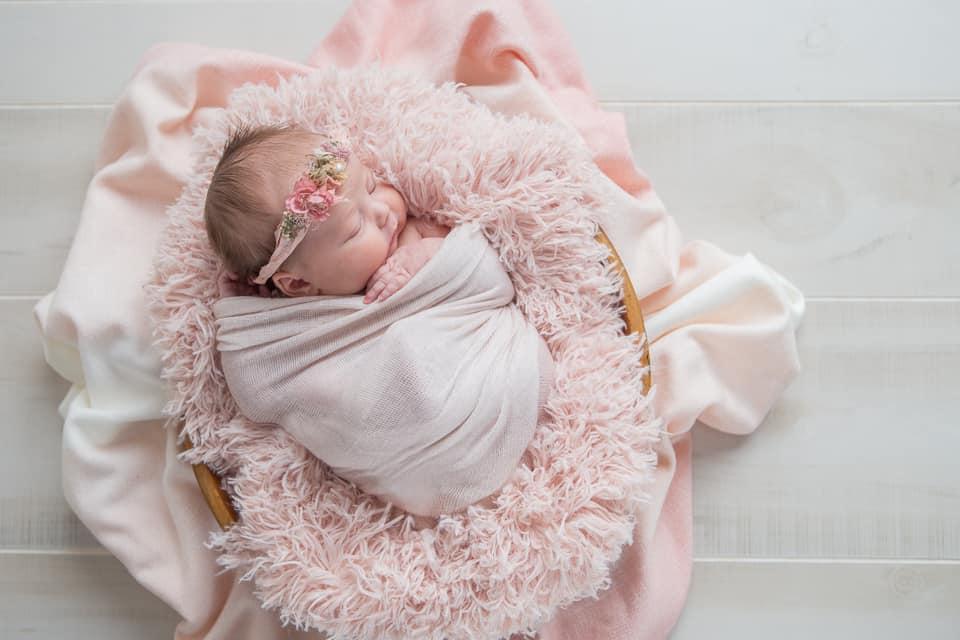 Springtime & Flowers – Suwanee Newborn Session