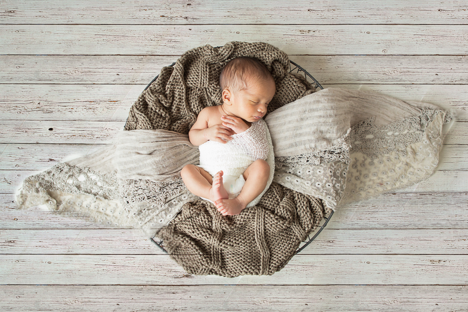 Top Newborn Photographer Creates Heirloom Portraits of Your Baby 7